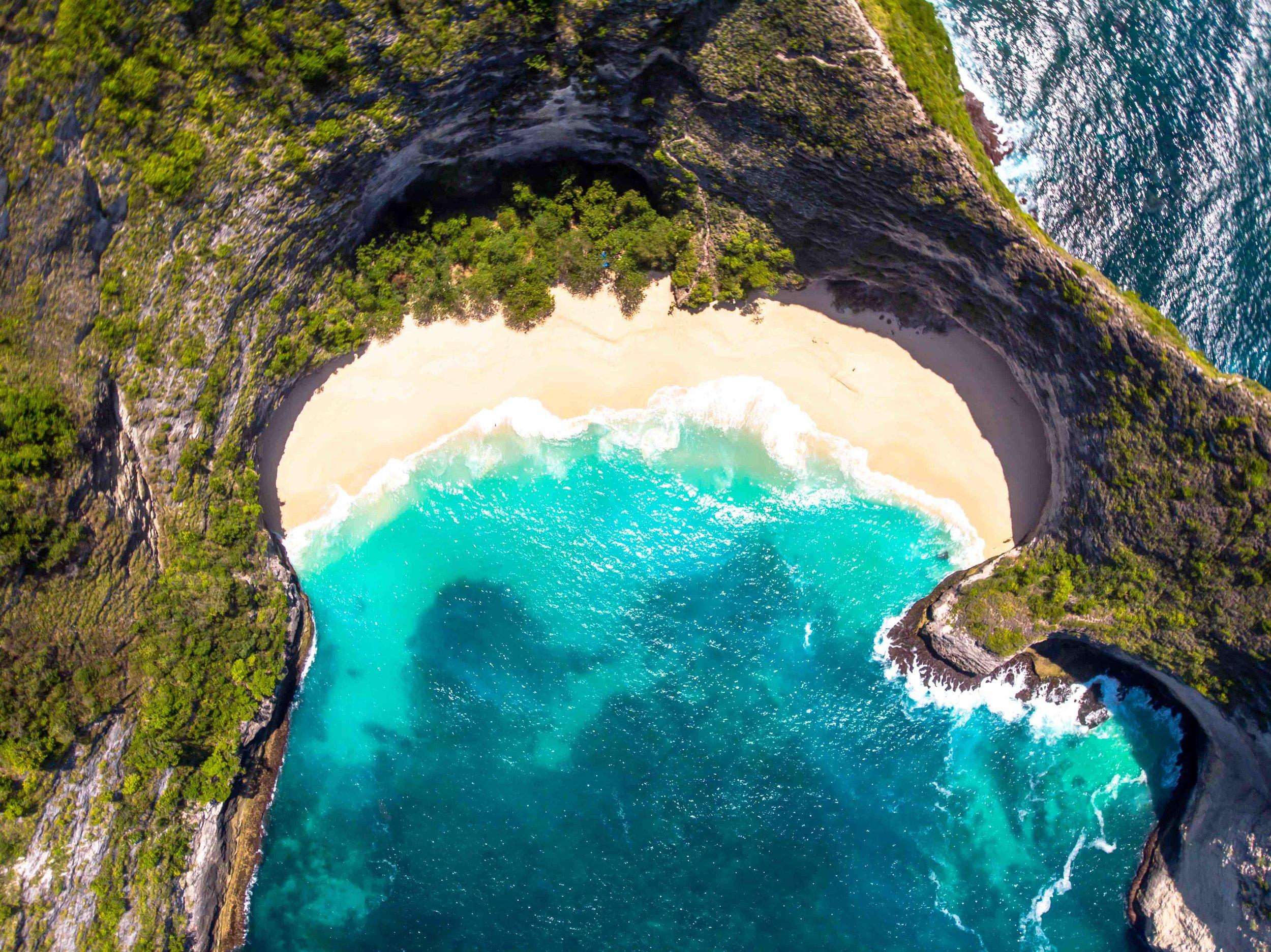 tropical_paradise_beach_island_bali_indonesia_nusa penida_kelingking.jpg
