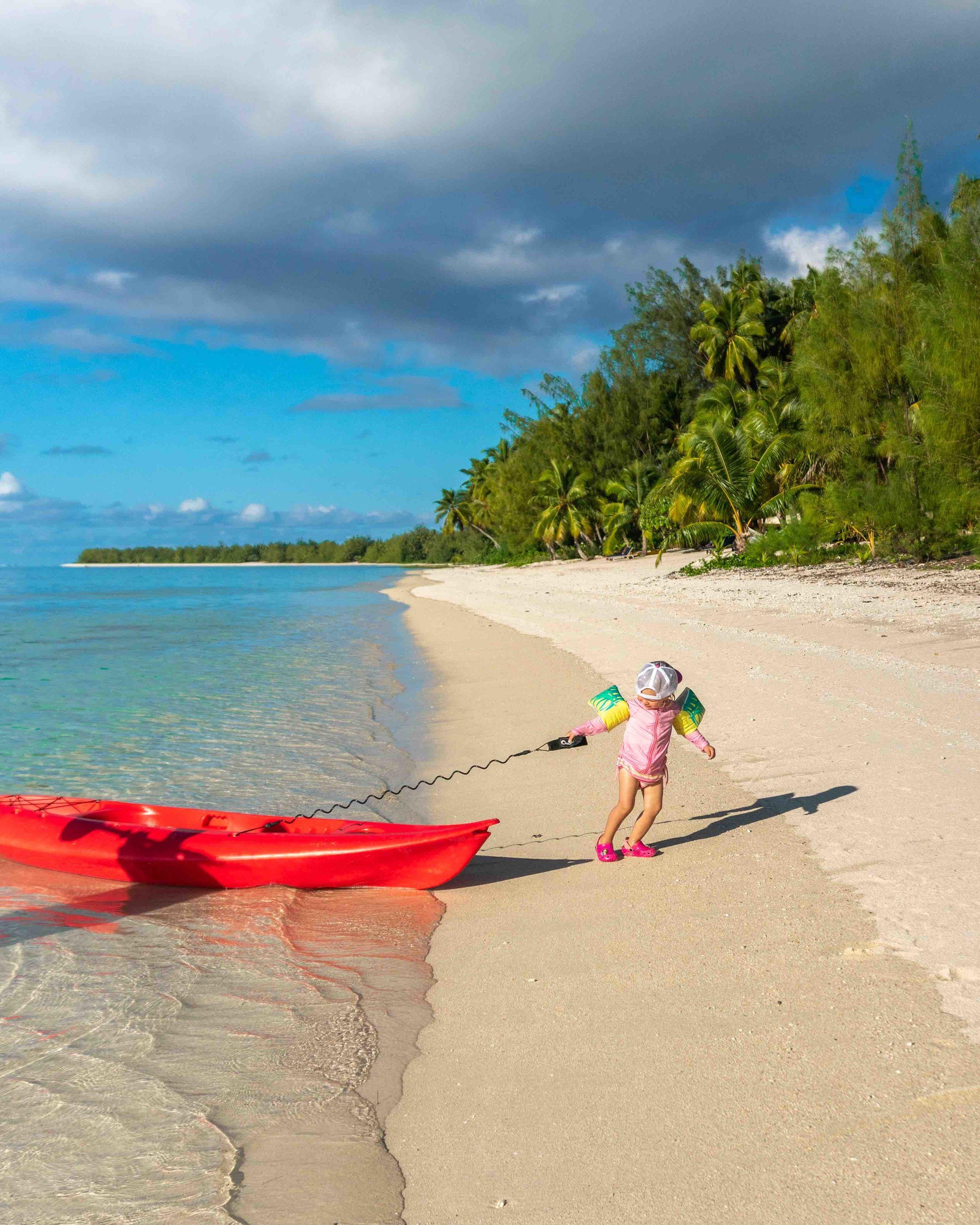 Lifestyle_family_beach_island_kayak_paradise.jpg