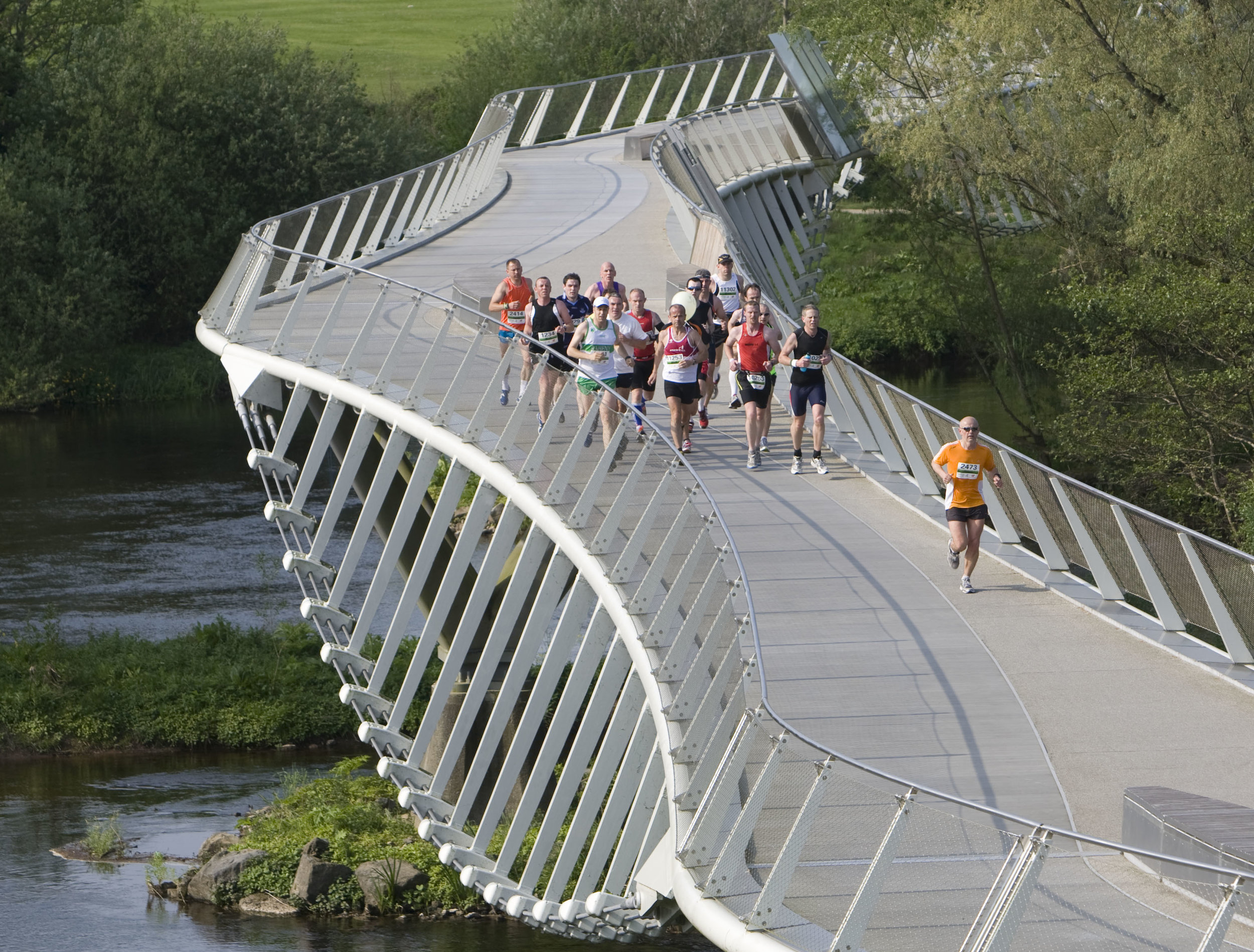 Great Limerick Run over the Living Bridge at UL.jpg