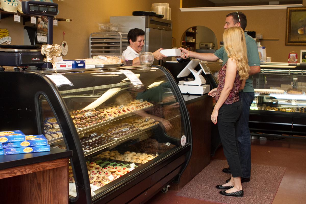 amicis-bakery-suntree-8.jpg