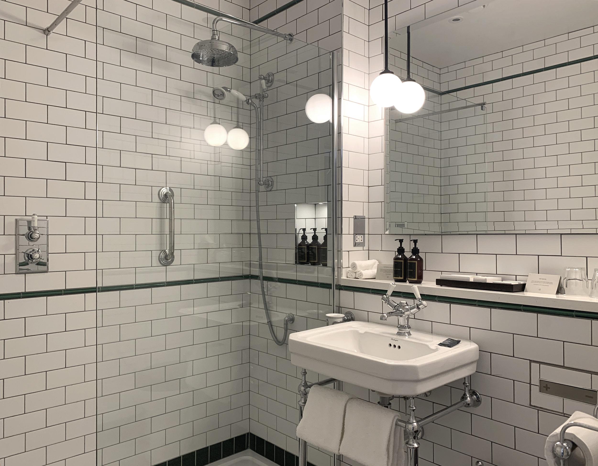 comfy_bathroom_0519.jpg