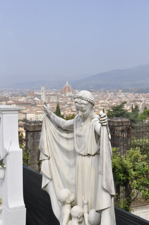 Statue-and-view-overlooking-Florence.jpg