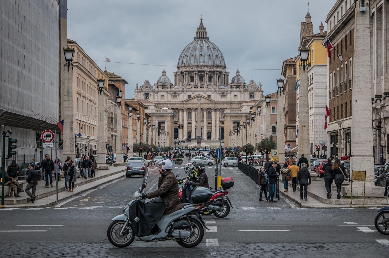 saint-peters-basilica-2040718.jpg