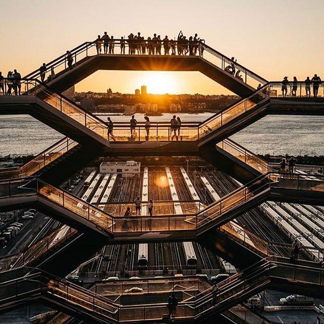 The Vessel...... #sunrise #Wednesday #humpday #nyc #hudsonyards #manhattan #empirecruises