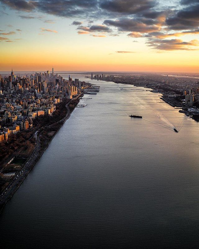 Sunset over the Hudson River..... #nyc #hudsonriver #manhattan #drone #arielview #newjersey #empirecruises#newyorkharbor