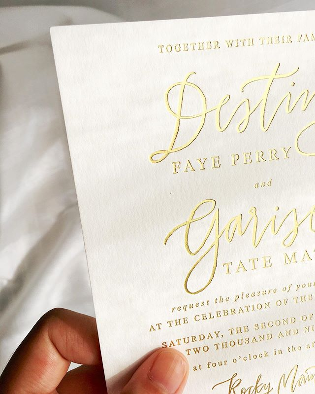 these simple and classic invitations are making all my letterpress dreams come true ✨