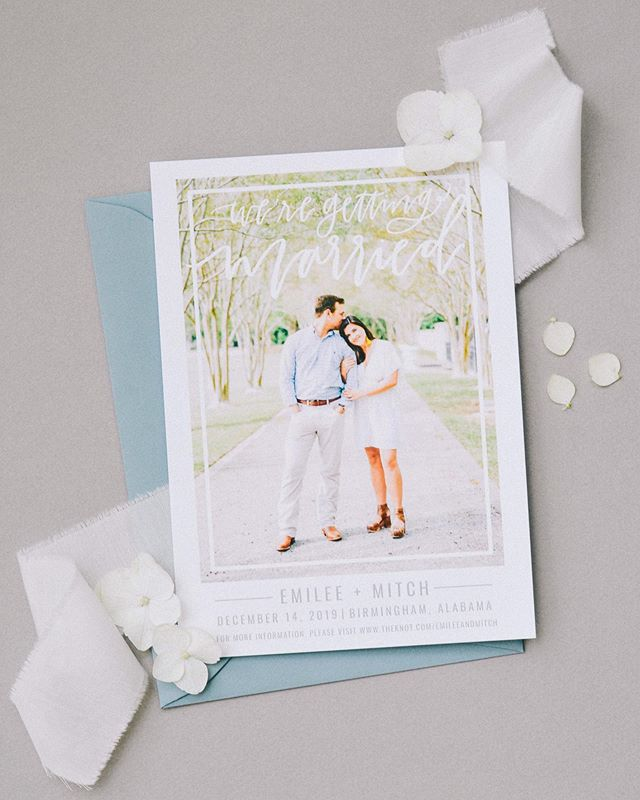 sweet, simple, and modern save the dates for your Monday afternoon scrolling session ✨