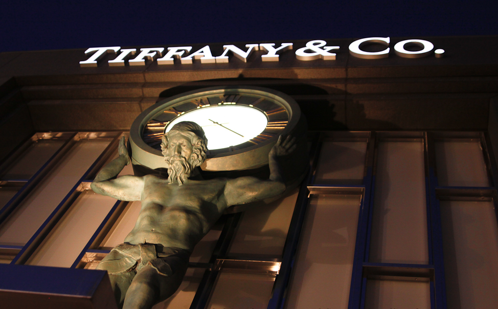 Black Card Circle Century City Tiffany & Co 2.png