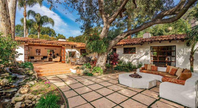 1920 MANDEVILLE CANYON | $5,219,000 | BRENTWOOD