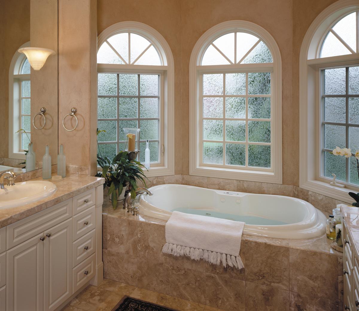 ultrawc_016_rounded window_bathtub.jpg