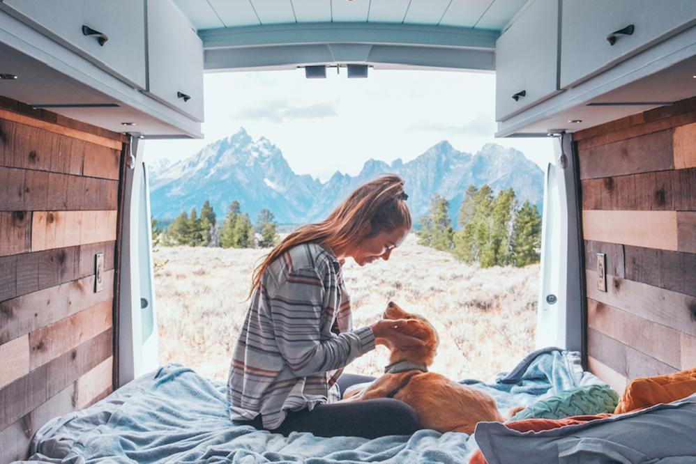 van-life-travel-solo-femaleb.png