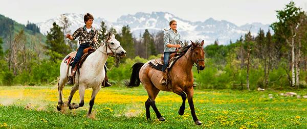 home-ranch-teens-horseback-riding.jpg
