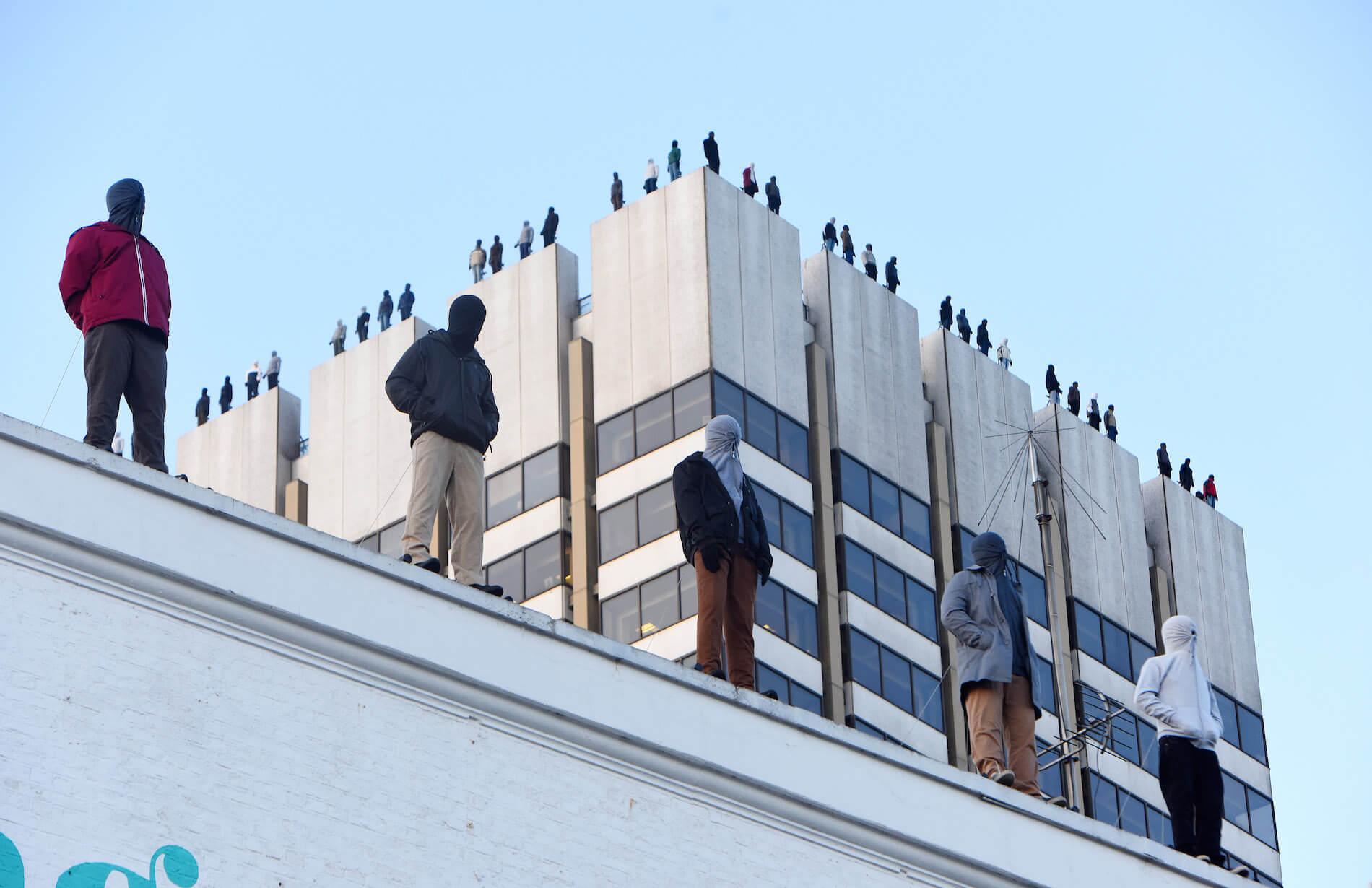 Mark-Jenkins-suicide-awareness-calm-london-rooftops-84-sculptures-9.jpg