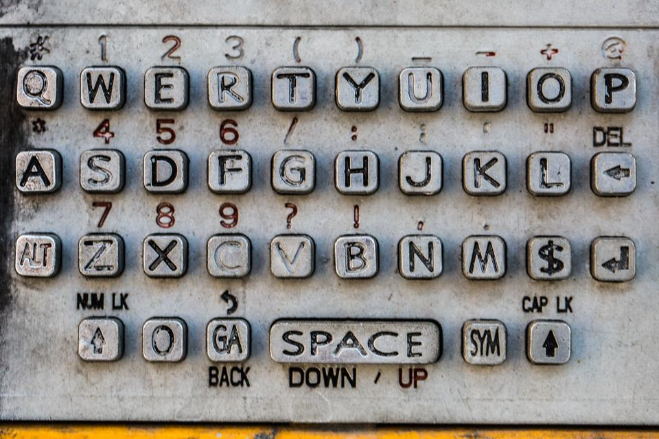 old-payphone-keyboard_4460x4460.jpg