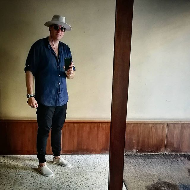 Hello again Instaverse! Been summer and I have had a tech free one.. ♠️ ♠️ #picoftheday #leica#huawei#huaweip10 #dapper#gentleman#barcelona #style#fashion#lifestyleblogger #lifestyle #luxury #photo#fashionphotography