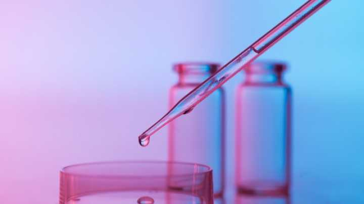 default-1464385759-230-lab-tech-allegedly-faked-drug-test-results-casting-doubt-on-7-000-criminal-cases.jpg