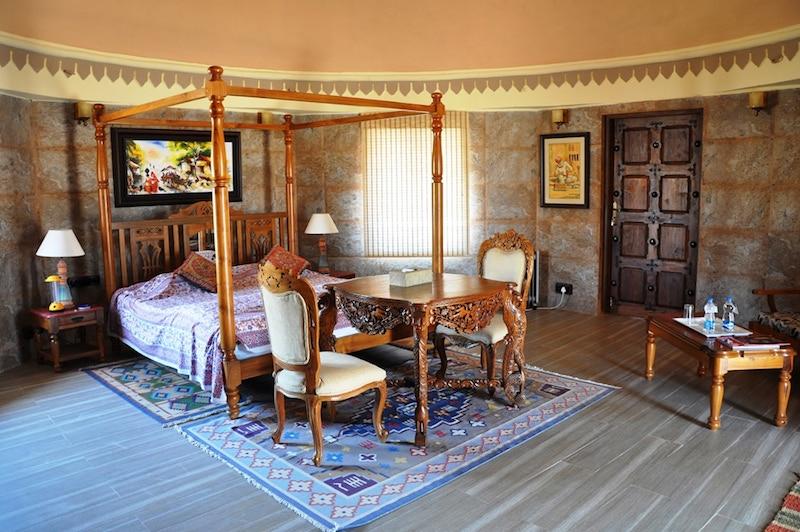 Luxury+Hut+Interior.jpg