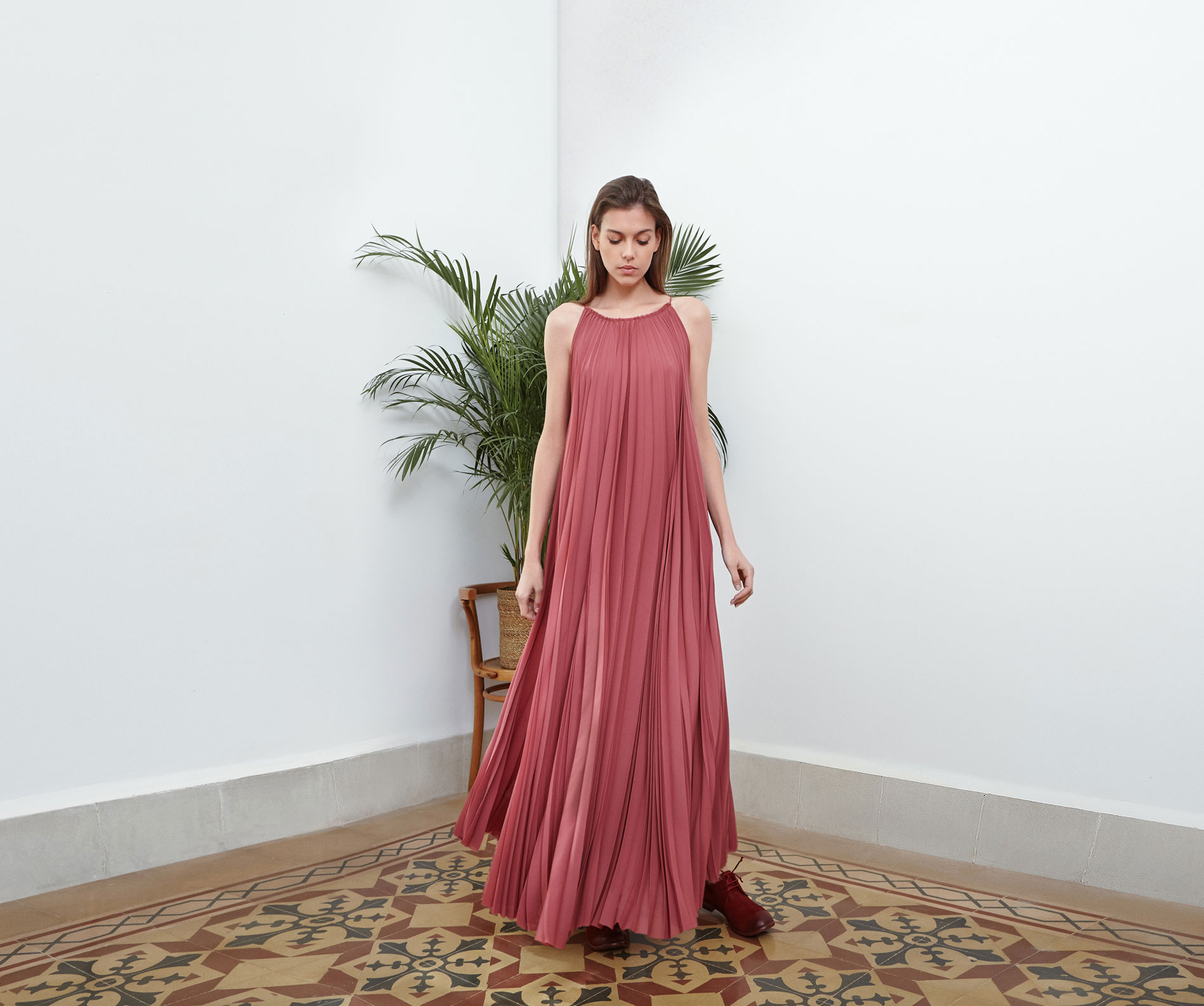 Lara Khoury | Eudemonia Spring 2019 | look 16-1 | Sleeveless Pink Sunray Pleated Dress.jpg