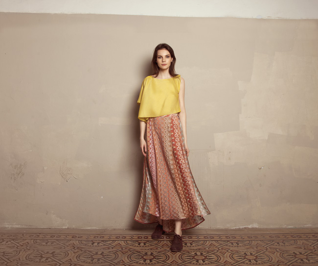 Lara Khoury | Iolanda Fall 2019 | look 16 | Yellow Gazar Asymmetrical Crop Top and Patterned Knit Slit Skirt.jpg