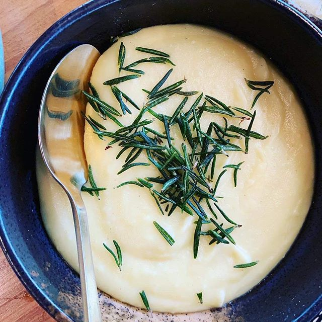 Not taunting you intentionally as we are CLOSED TODAY FOR THE PUBLIC HOLIDAY but how good does this simple mash potato look ! Oh not quite that simple as we smoke it too #happyeastereveryone #mashedpotatoes #lovewhatyoudo @thefarmeatery