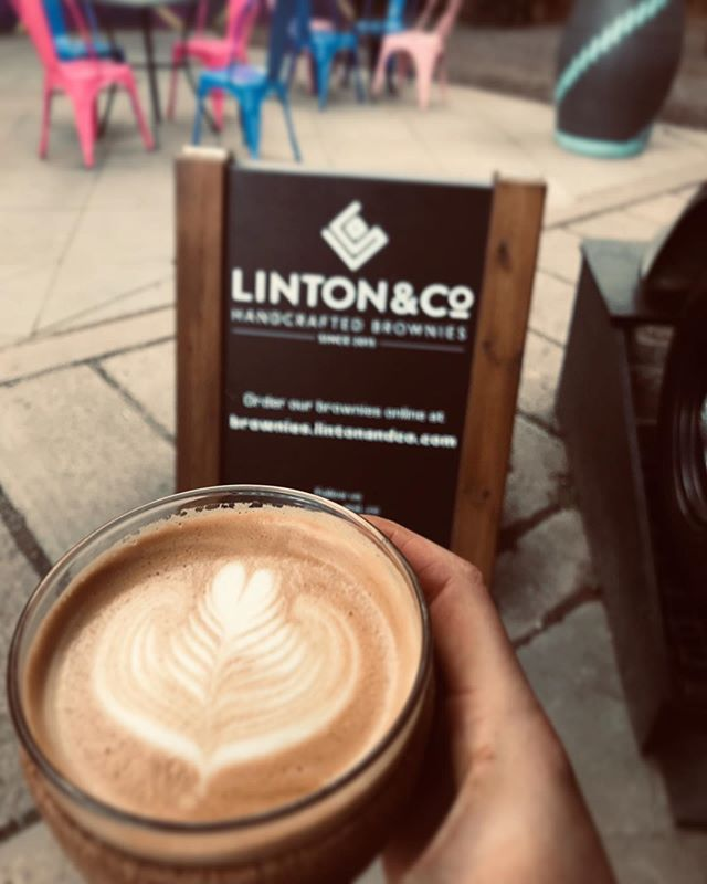 Last week of the Fringe 😥 last chance to grab @cliftoncoffee and one of our Brownies in @teviot.gildedgarden, quick RUN!!! . . . #specialtycoffee #edinburghfringe #brownies #alltheflatwhites #lastweek #getitwhileyoucan