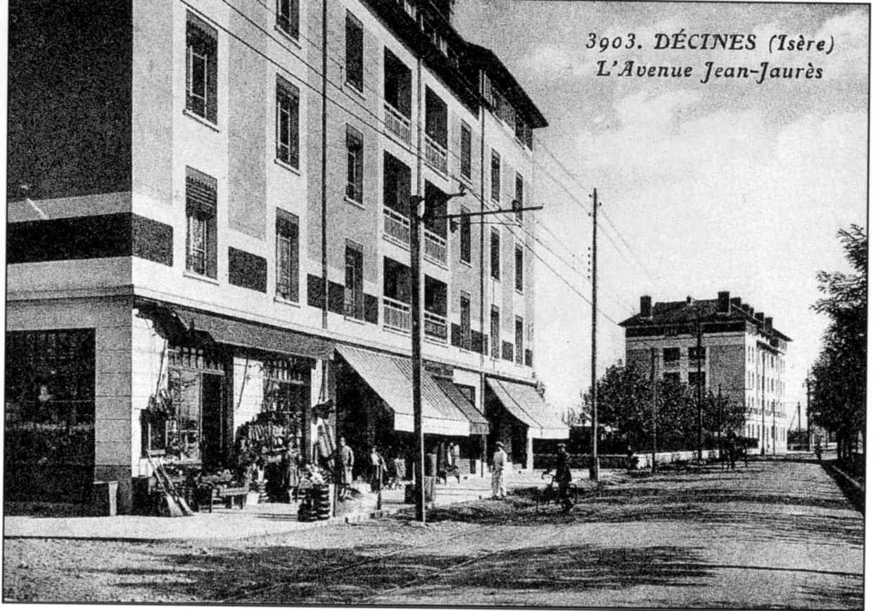 Avenue Jean-Jaurès à Décines dans l'Isère.