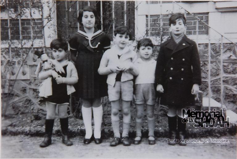 De gauche à droite : Bertrand et Françoise Herz, Robert et Claude Franck, Jean-Claude Herz. 1935