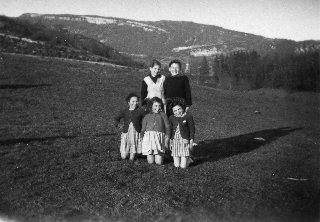 6 mars 1944, Arrière-plan Sarah Szulklaper, Esther Benassayag ; premier plan Paula Mermelstein, Nina Aronowicz, Martha Spiegel