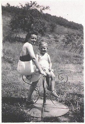 Claude et sa mère Anna Katzmann, épouse Fraiberger