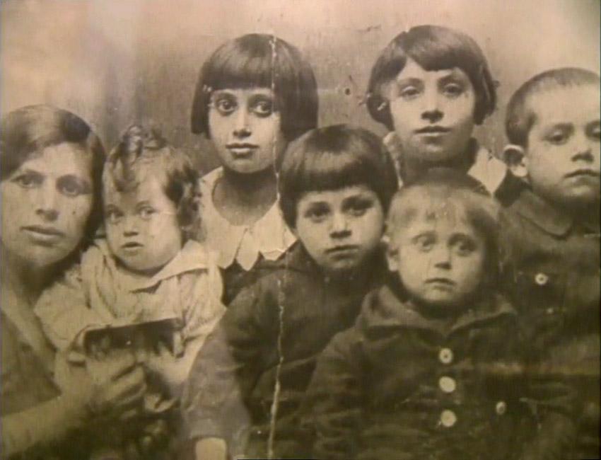 Maurice-Minkowski Mariem et ses six enfant Maurice premier plan
