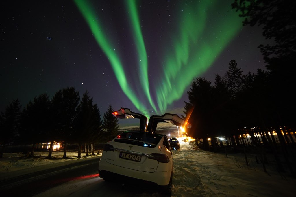 Northernlights Tesla X tour 1.jpg