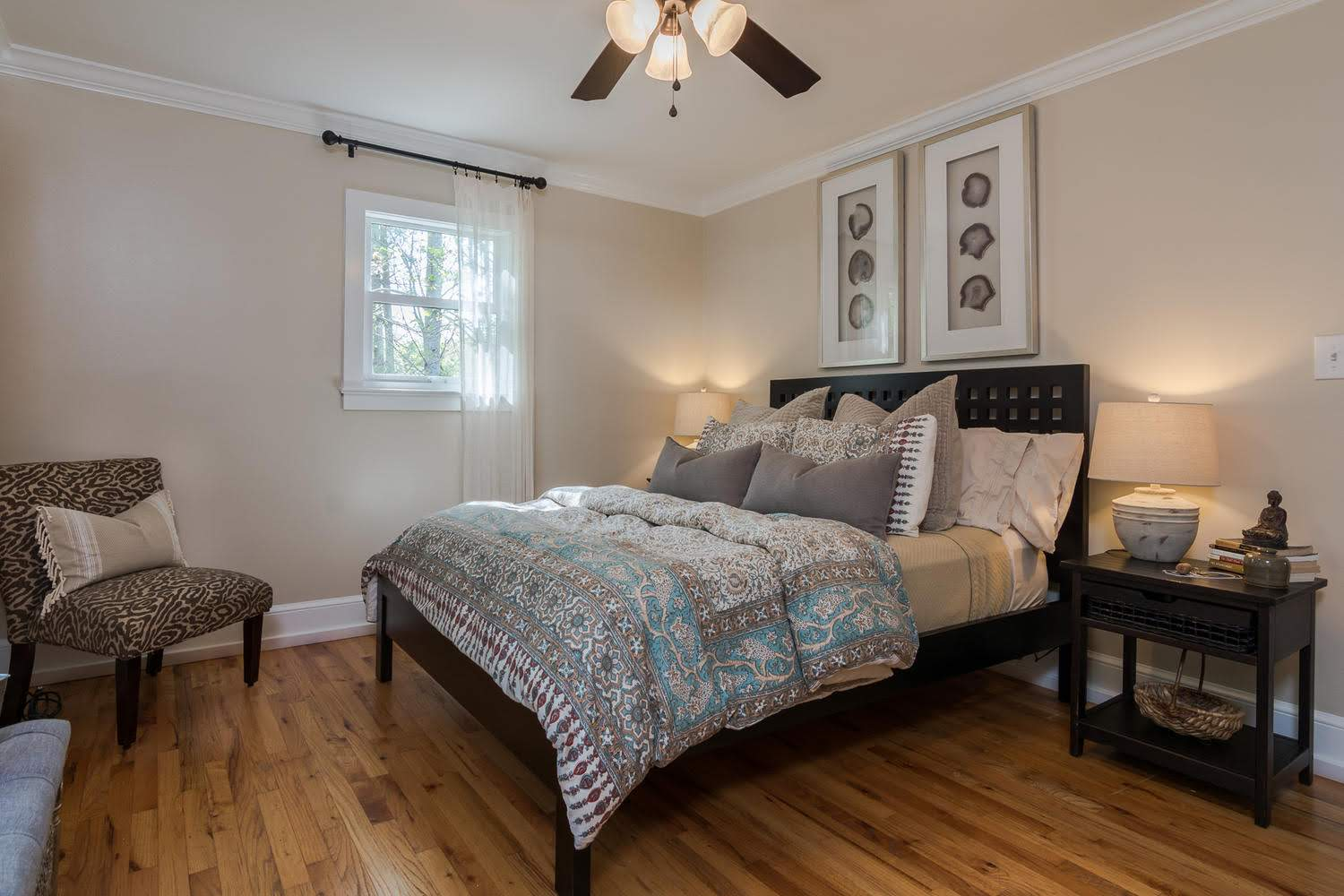 Plush Bedrooms Farmhouse Retreat Asheville