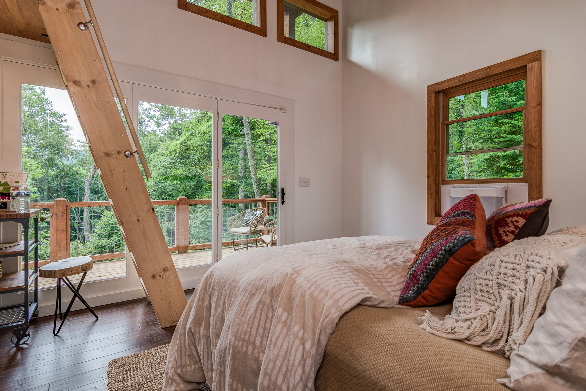 Beautiful modern cabin recovery wellness retreat asheville nc