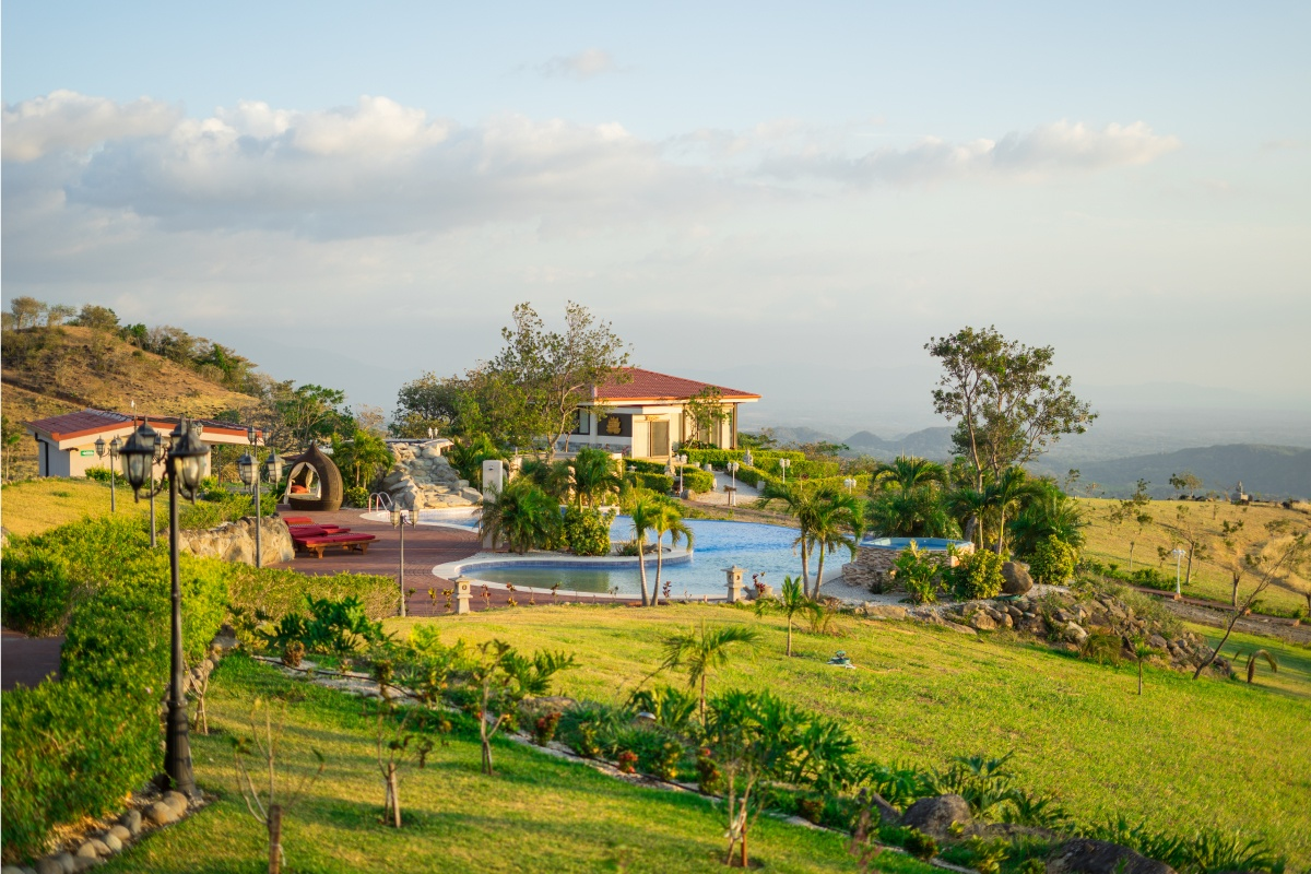 aug 6 - 11, 2019 in costa rica - A journey to peace at the beautiful Vida Mountain Resort & Spa, located in the Alajuela mountains of Costa Rica. Enjoy daily yoga classes, perfect for all levels interested in expanding their practice in a welcoming environment, explore nature like never before.