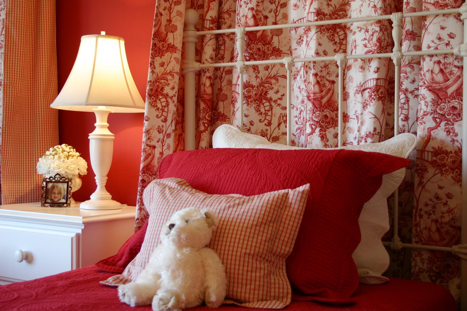 parade girls bed detail.jpg