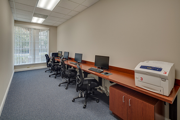 Agent Work Stations - 1.jpg