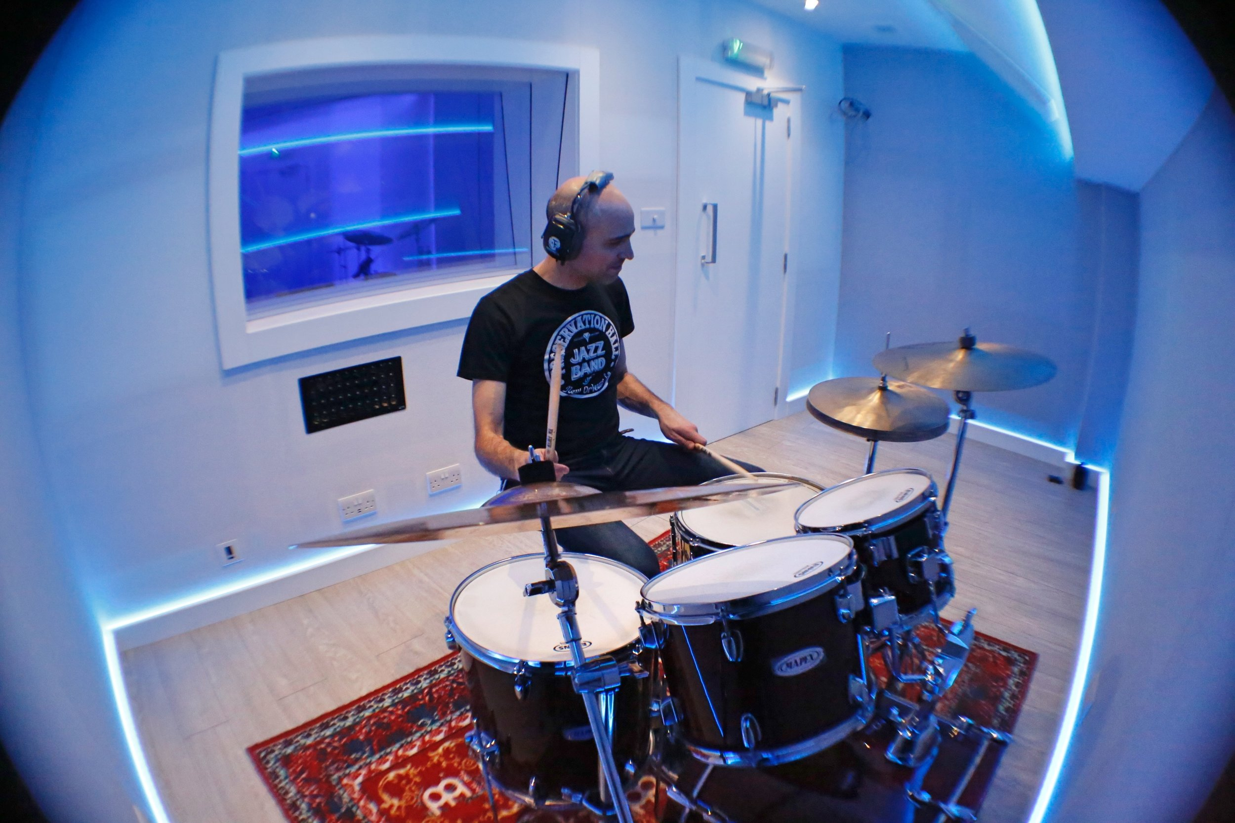 DRUM PRACTICE - Practice on a real kit.Special deal on 4 hour packs.Gift vouchers available.