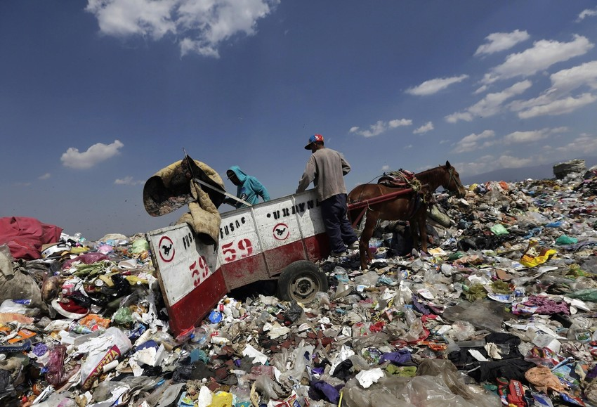 Mexico wants less plastic to end up in garbage dumps Image: Reuters/Henry Romero