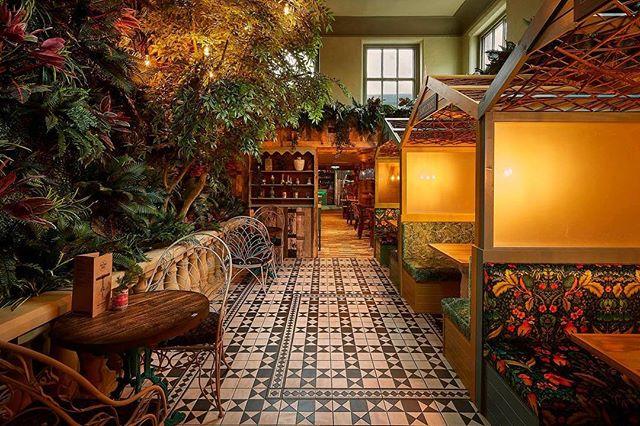 The beautiful indoor garden we installed for @thepotting.shed  We adore this floor too! 💛 #natureindoors #restaurantdesign #bardesign #interiorstylists #pottingshed