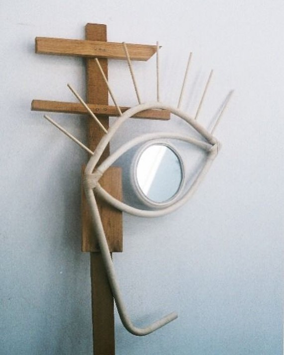 We LOVE this Picasso eye mirror from @lrnce  #lrnce #moroccanstyle #picasso #mirror #interiors #interiorstylists