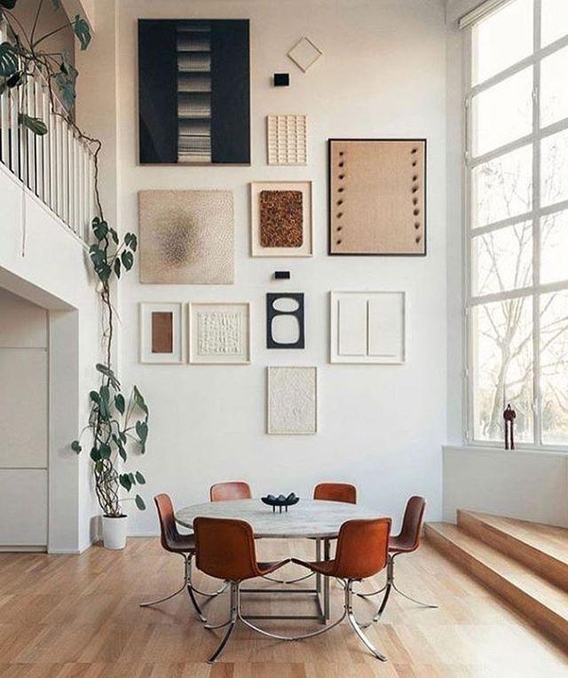 Minimal, chic art cluster in this beautifully bright dining room.  #interiorinspo #interiors #art #diningroom #decor