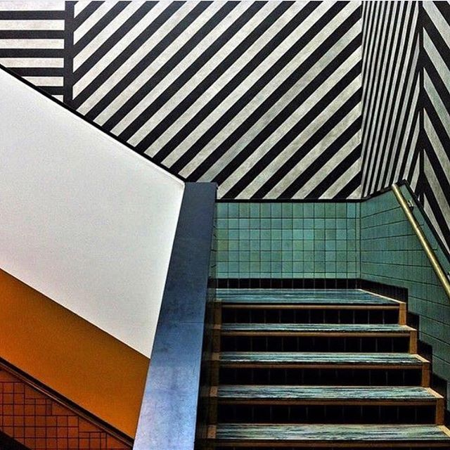 A strong staircase at #gemeentemuseum by #sollewitt  Via @ad_magazine  #staircase #tiles #interiors #interiorinspiration #colour #pattern #colourpallette #strongdesign #interiordesign