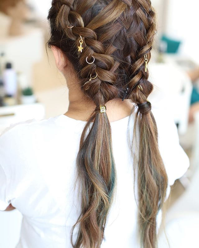 A dazzling double braid! Take your look to the next level with these simple hair accessories✨⁠⠀ ⁠⠀ ⁠⠀ ⁠⠀ ⁠⠀ ⁠⠀ ⁠⠀ #bebarblowdrybar #beyoushinetrue #hairaccessories #standout #love #hairstyle #drabtofab #stunning #dubai #doublebraid #pigtails #hairstyle #braids #jumierah⁠⠀ ⁠⠀ ⁠⠀ ⁠⠀