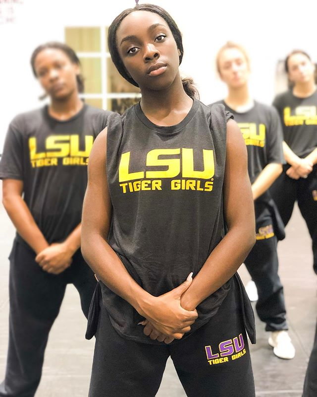Don't let the photo fool ya. 😉 This team is WILD. • We had the an incredible weekend with the TG family preparing for #UDANationals2020 🤩 • Thank you @lsutigergirls for continually putting in WORK during these long choreography days. It truly pays off & we are BEYOND excited about the finished product! • We cannot wait for everyone to see this one 🤯 #TRIBE99 #lsutigergirls #hiphop #LSU #geauxtigers