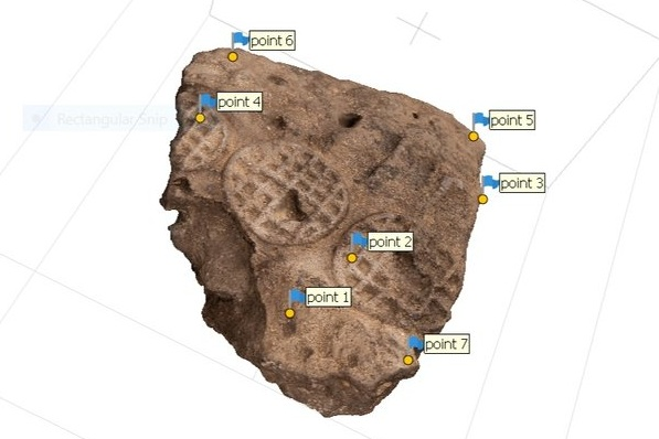 Fig. 2. 3D modeling of an Early Dynastic seal impression from the Abydos North Cemetery, front view in process. Photo: Blair Simmons / North Abydos Expedition © 2019