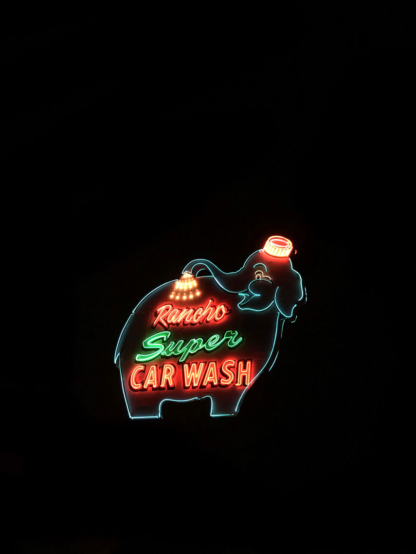 neon-rancho.jpg
