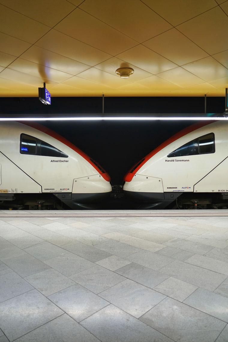 Zurich-trains.jpg