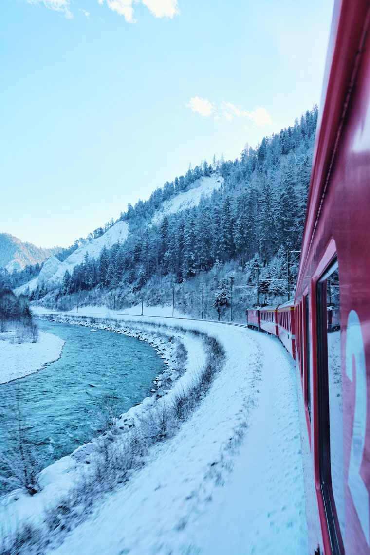 vals-train.jpg