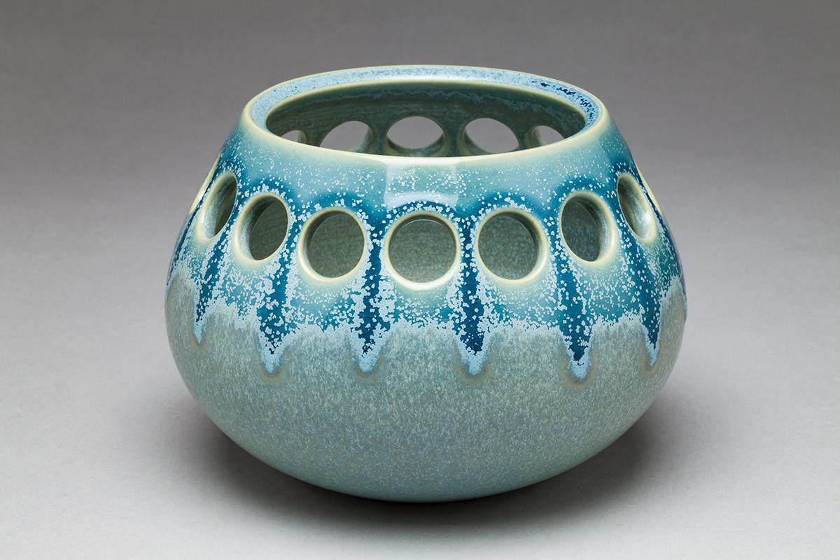 Low Teardrop, Single Pierce Tea Light Holder - Dimensions: 4