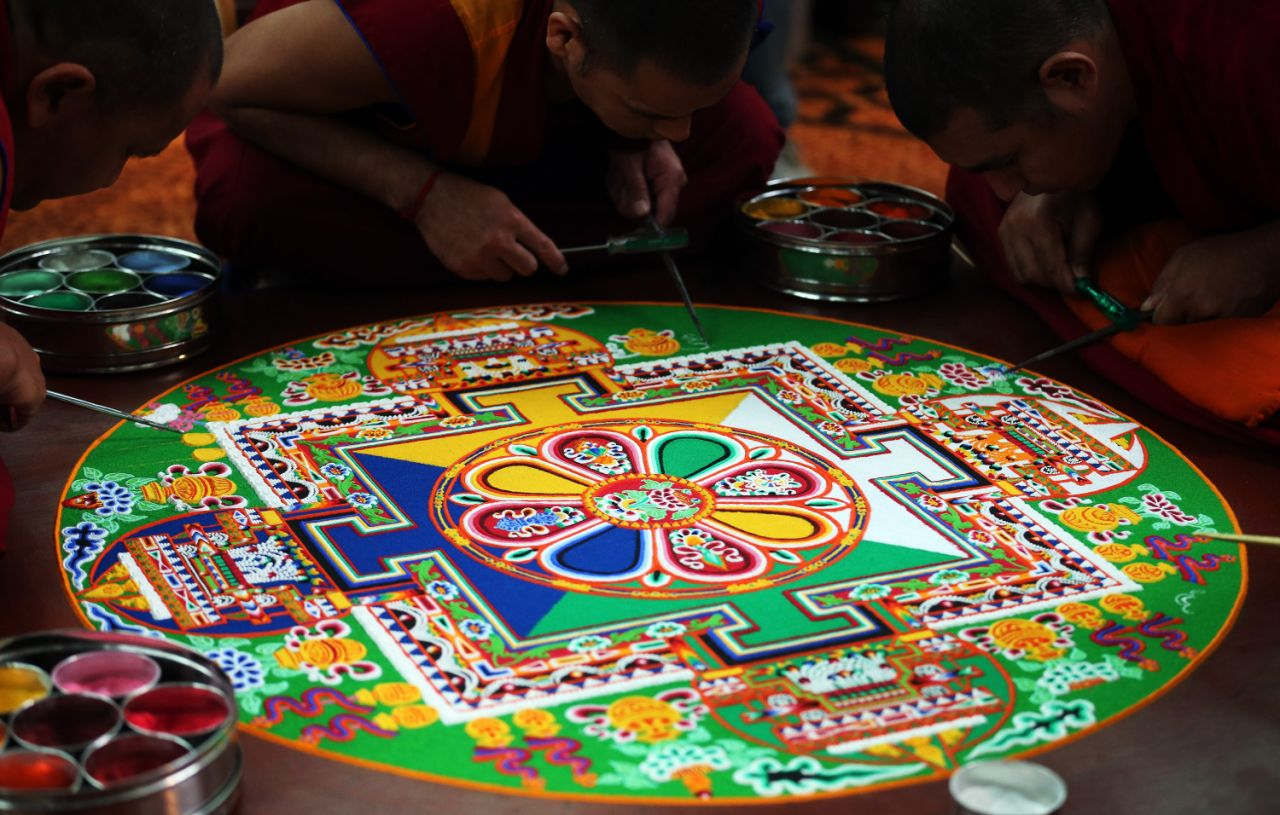 tibetan-monks-part-salisbury-international-20131003-134513-675.jpg